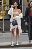 Rihanna Transparentando Tetas Por New York